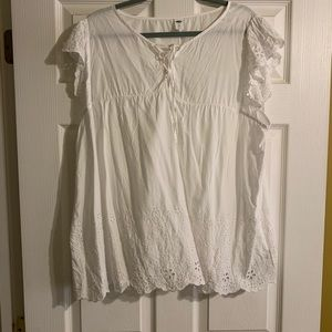 Adorable white blouse from Old Navy